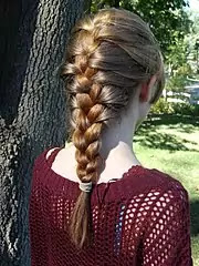 Triple-Fishtail-Braid-Hairstyle-Trends