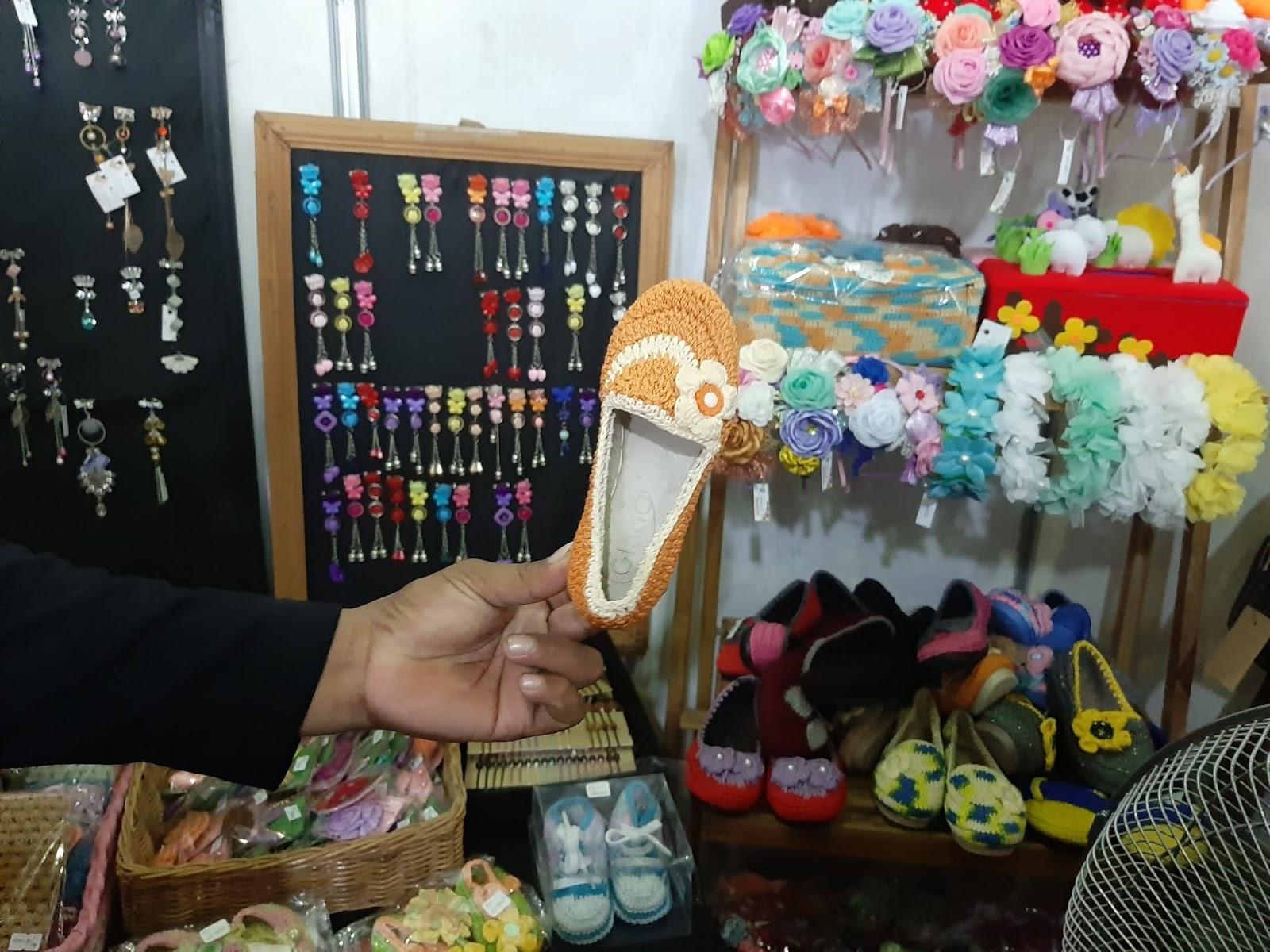 aneka craft di bazar buku pemalang