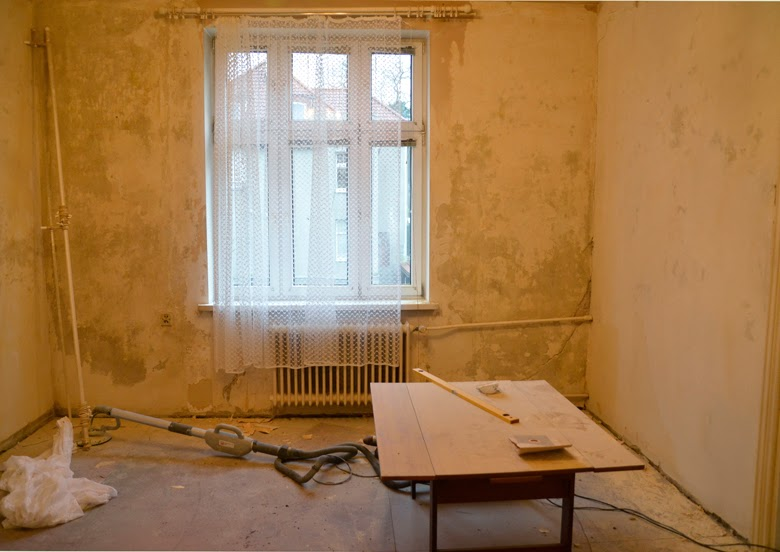 czyszczenie cegły - jak skuwać tynk