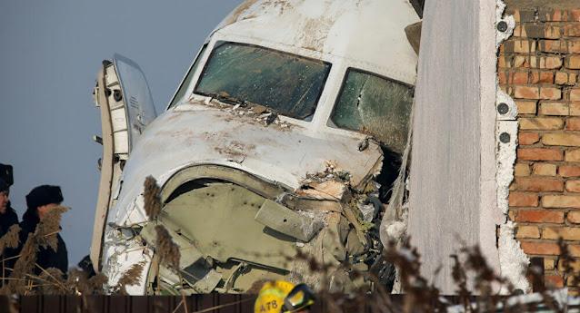 طائرة ركاب من دبي تحطمت أثناء هبوطها في الهند وانقسمت إلى نصفين