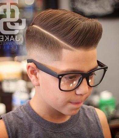 model potongan rambut keren dan rapi