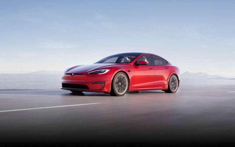 طراز Tesla Model S Plaid موديل عام 2021