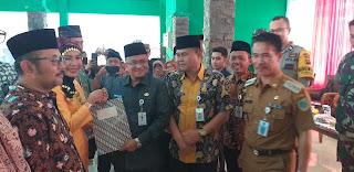 Wakil Walikota Jambi Saksikan 40 RT Se-kelurahan kenali asam bawah Kecamatan Kota Baru Dilantik .