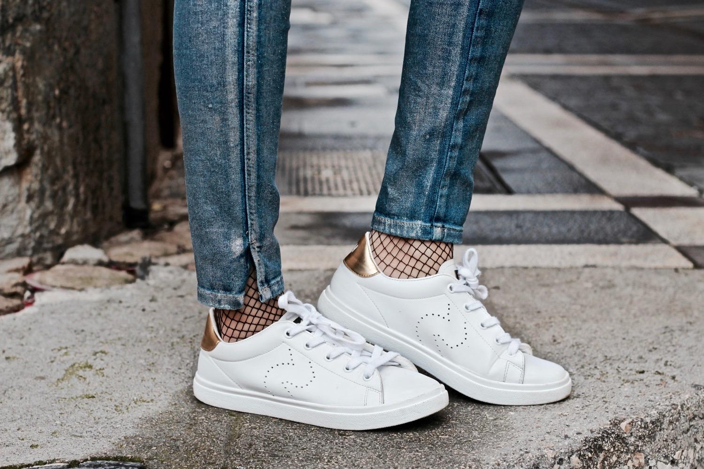 zapatillas con media de rejilla