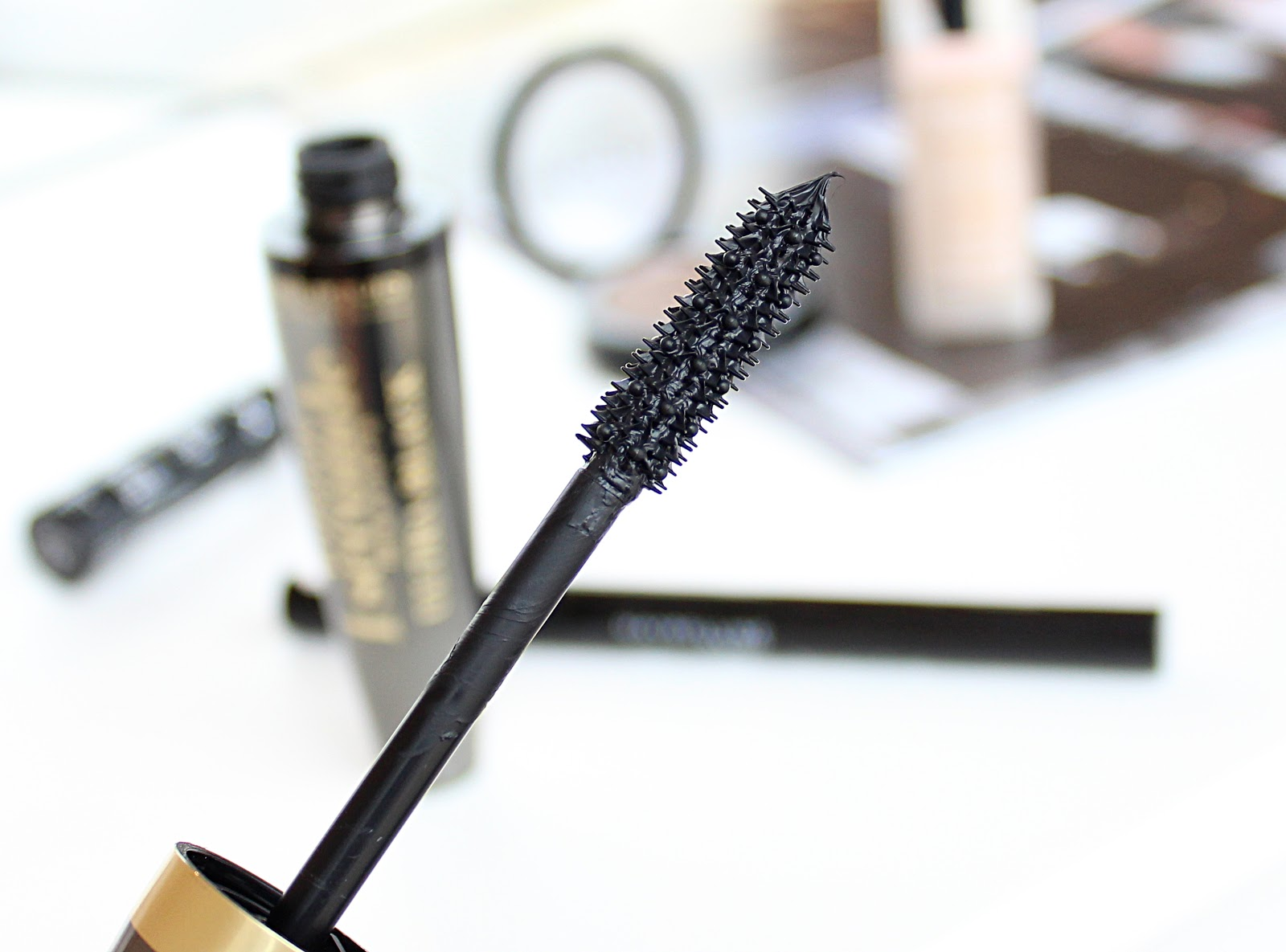 Bourjois Volume 1 Seconde Mascara Ultra Black Review