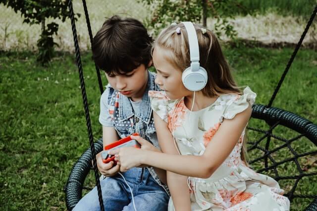 huśtawka dla dzieci do ogrodu