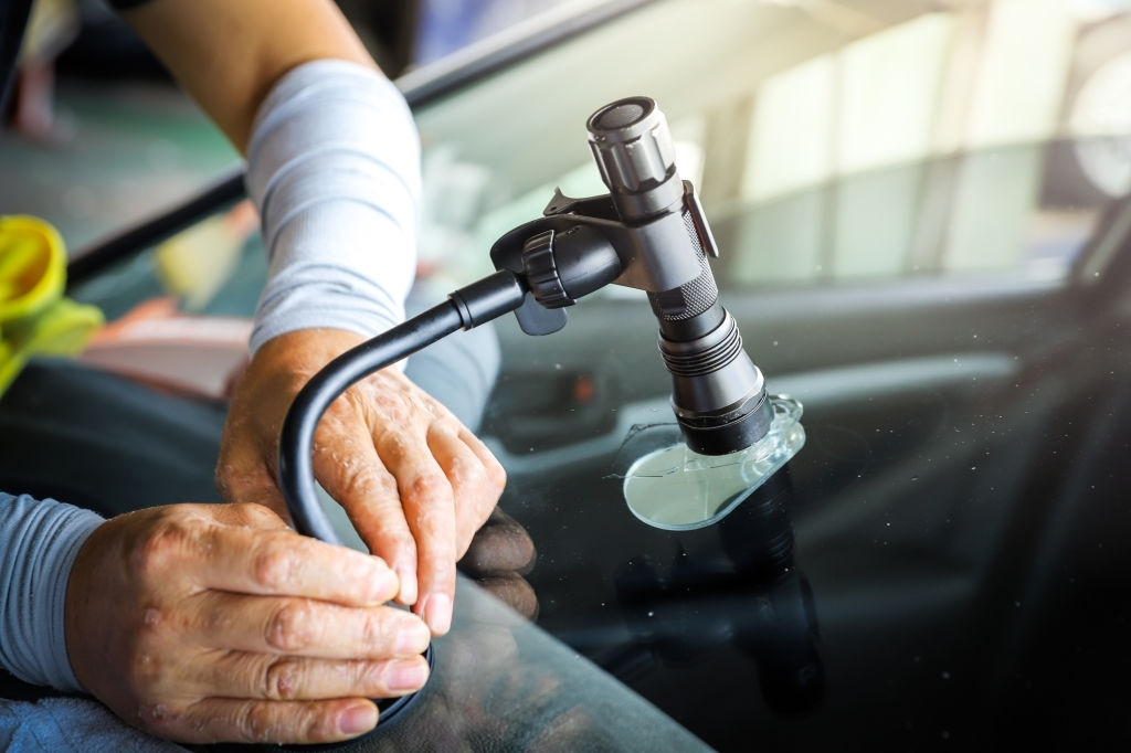 What To Look For When Choosing A Windscreen Repair Specialist!