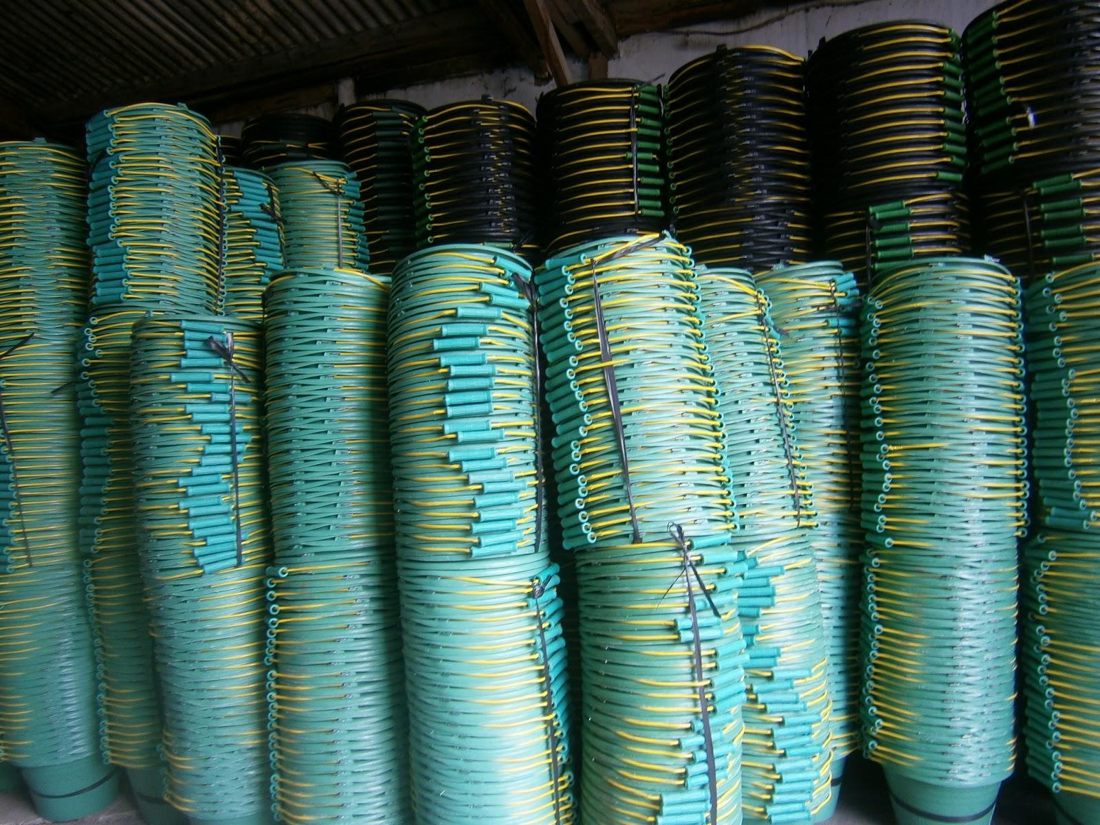 Plastik cor Baskom Ember Karpet Talang