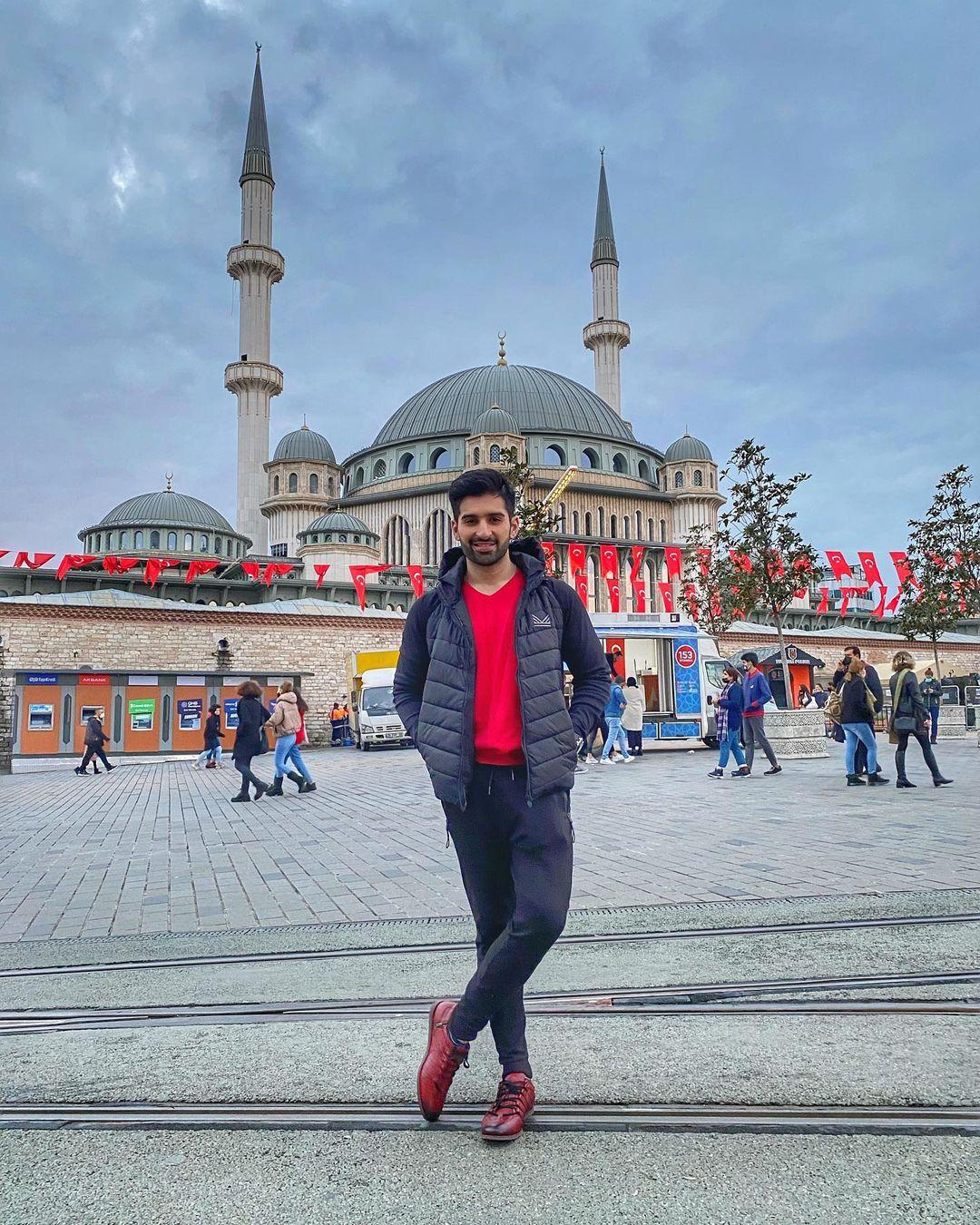 Aiman Khan and Muneeb Butt Turkey Tour