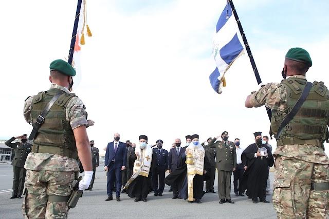 Υποδοχή του Αγίου Φωτός στη Κύπρο μας-Οι ευχές του Αρχηγού Εθνικής Φρουράς