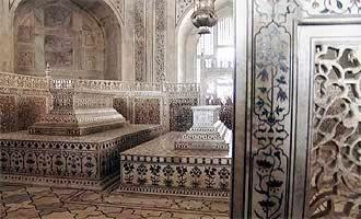 Discovering Mughal, Rajput & Mauryan History: The Taj ...
