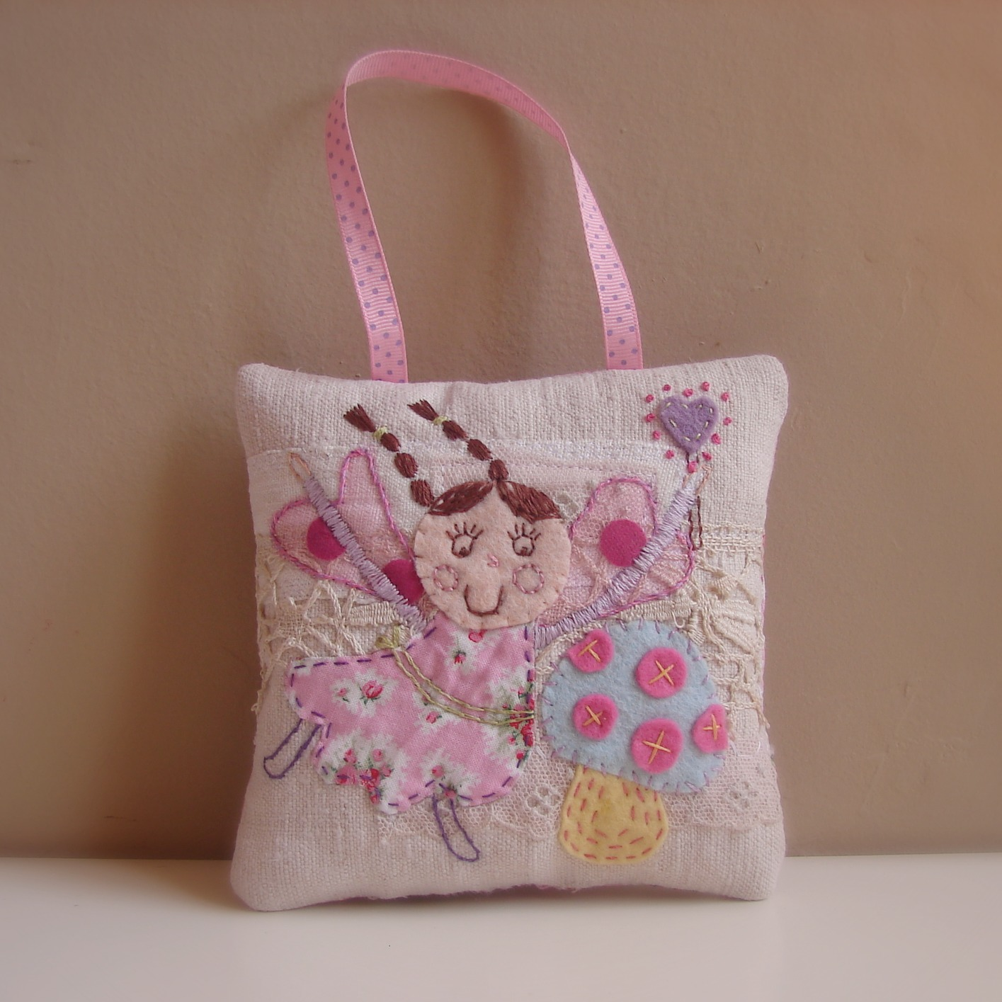 Roxy Creations: Tooth fairy pillow