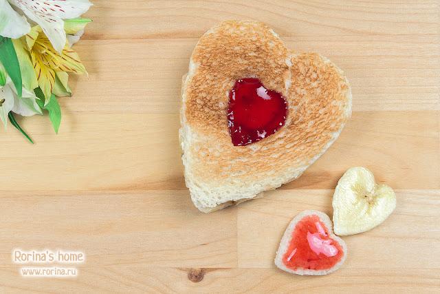Сладкие сэндвичи с джемом, бананом и маслом: рецепт
