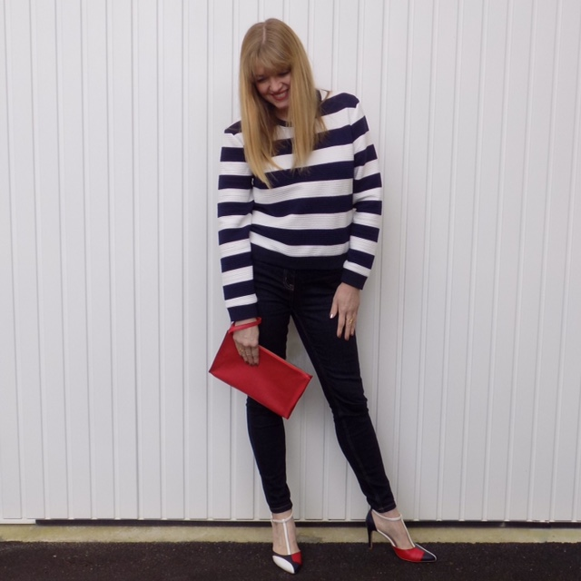 Striped sweatshirt, skinny jeans and colourblock shoes