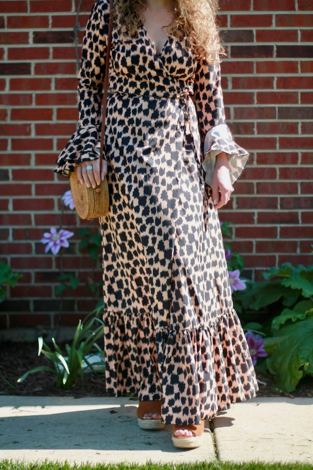 leopard maxi dress, maxi dress for spring, spring date night look, woven straw bag