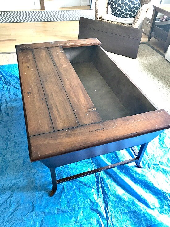 Painting a large coffee table with Fusion Mineral Paint in Raw Silk