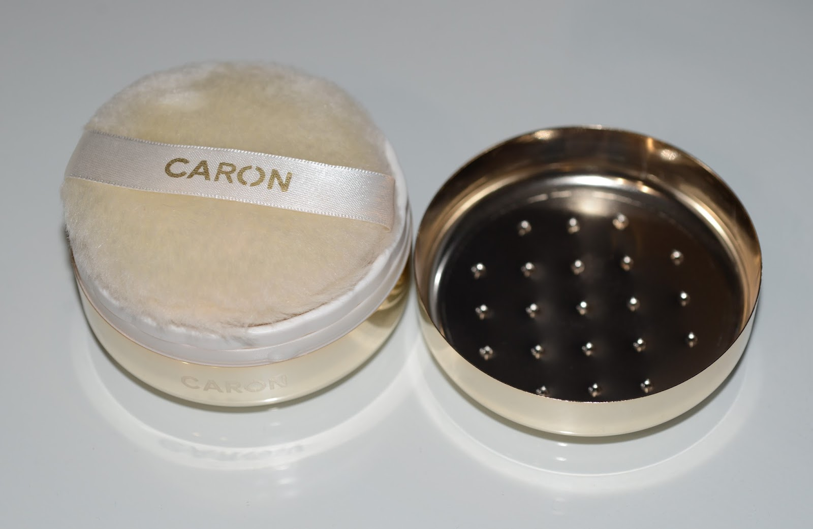Caron пудра рассыпчатая, оттенок lumiere dambre caron.