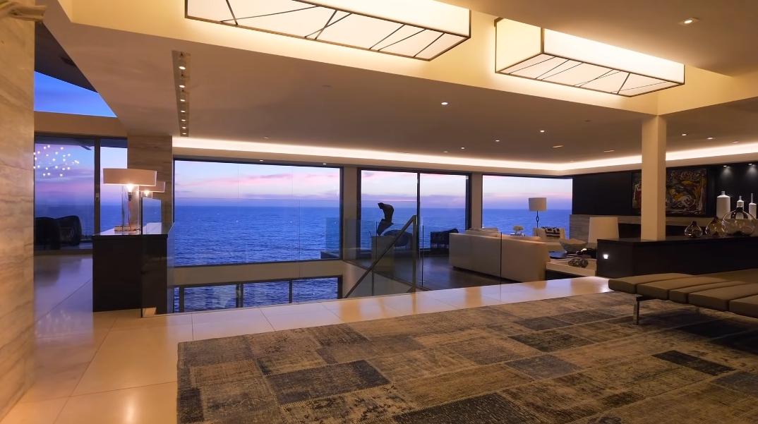 79 Interior Photos vs. 58 N La Senda Dr, Laguna Beach, CA Ultra Luxury Contemporary House Tour