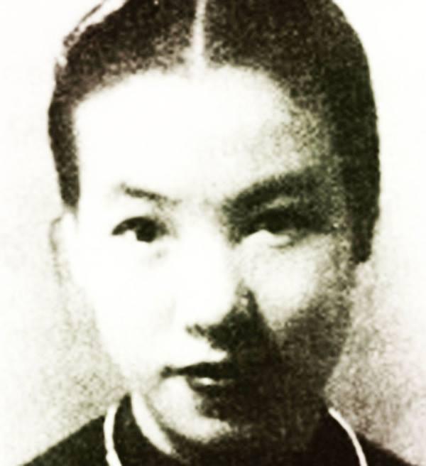 Truyện Bùa ngãi - Truyền kì nghề yêu nữ của Sài Gòn