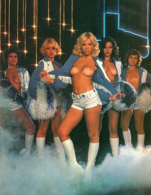 cheerleader-poses-for-playboy-mom-and-rover-sex-videos