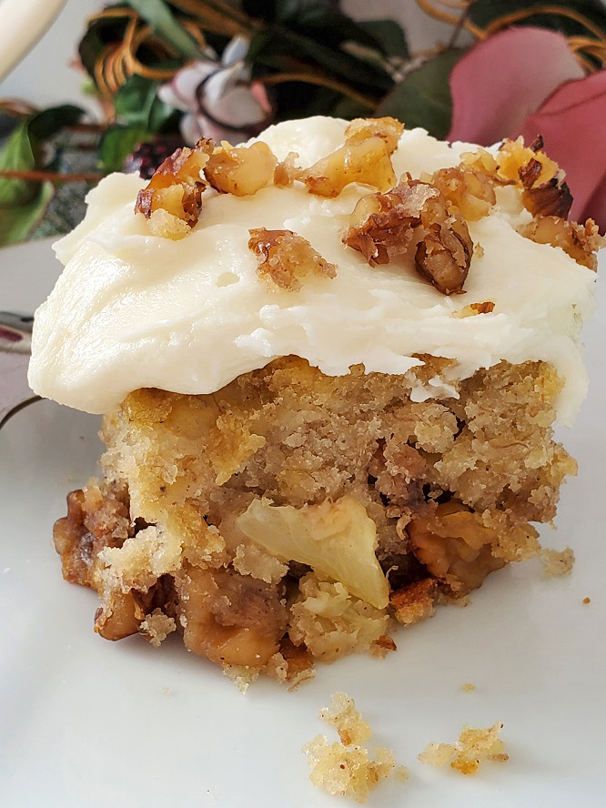 this is a cake made from scratch that has banana, pineapple and spices in it called hummingbird cake