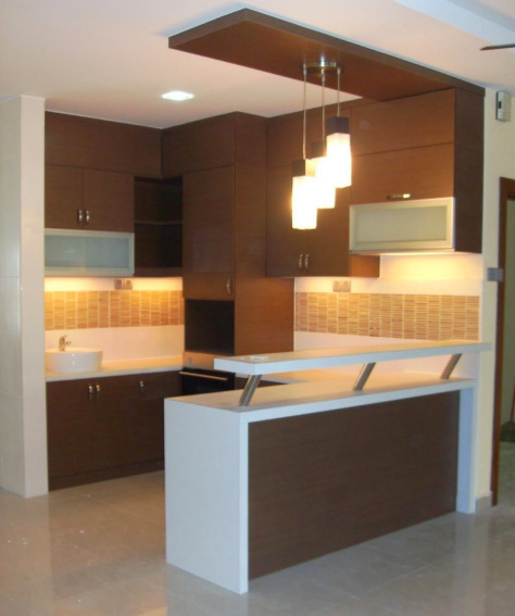 Sentuhan Mewah Mini Bar Dalam Interior Kitchen Set Kitchen Set