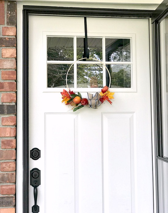 Easy Hoop Wreath for the Front Door in the Fall