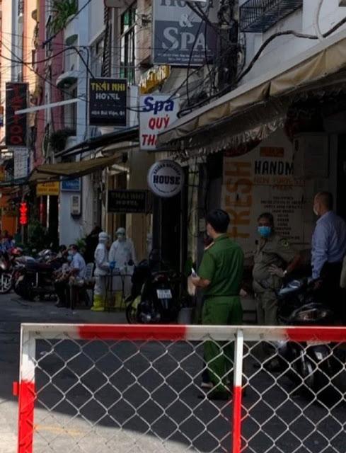 NÓNG: Phát hiện 1 người nước ngoài nghi mắc Covid-19 ở phố Bùi Viện
