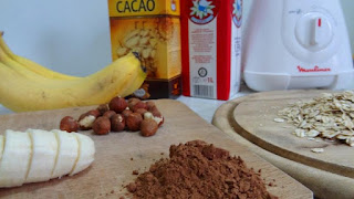 Preparing Banana and Oatmeal Smoothie