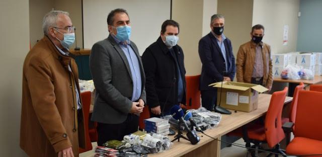 30 σετ πρώτων βοηθειών του Δήμου Καλαμάτας προς την Ένωση Αστυνομικών Υπαλλήλων Ν. Μεσσηνίας