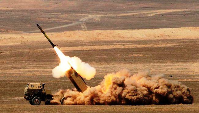 HIMARS tembakkan roket