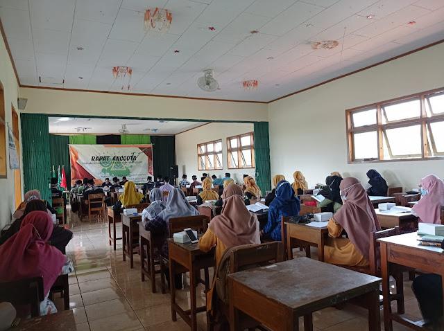peserta-rapat-anggota-pemilihan-calon-ketua-ipnu-ippnu-smk-islam-manbaululum