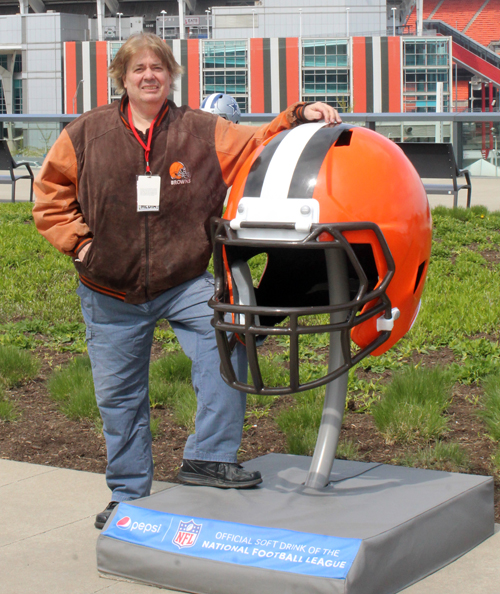 Dan Hanson with Cleveland Browns helmet