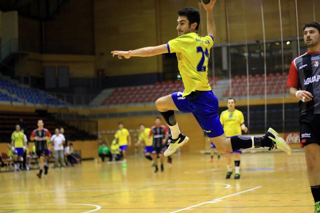 Balonmano | El Barakaldo busca en la cancha del último clasificado su segunda victoria del año