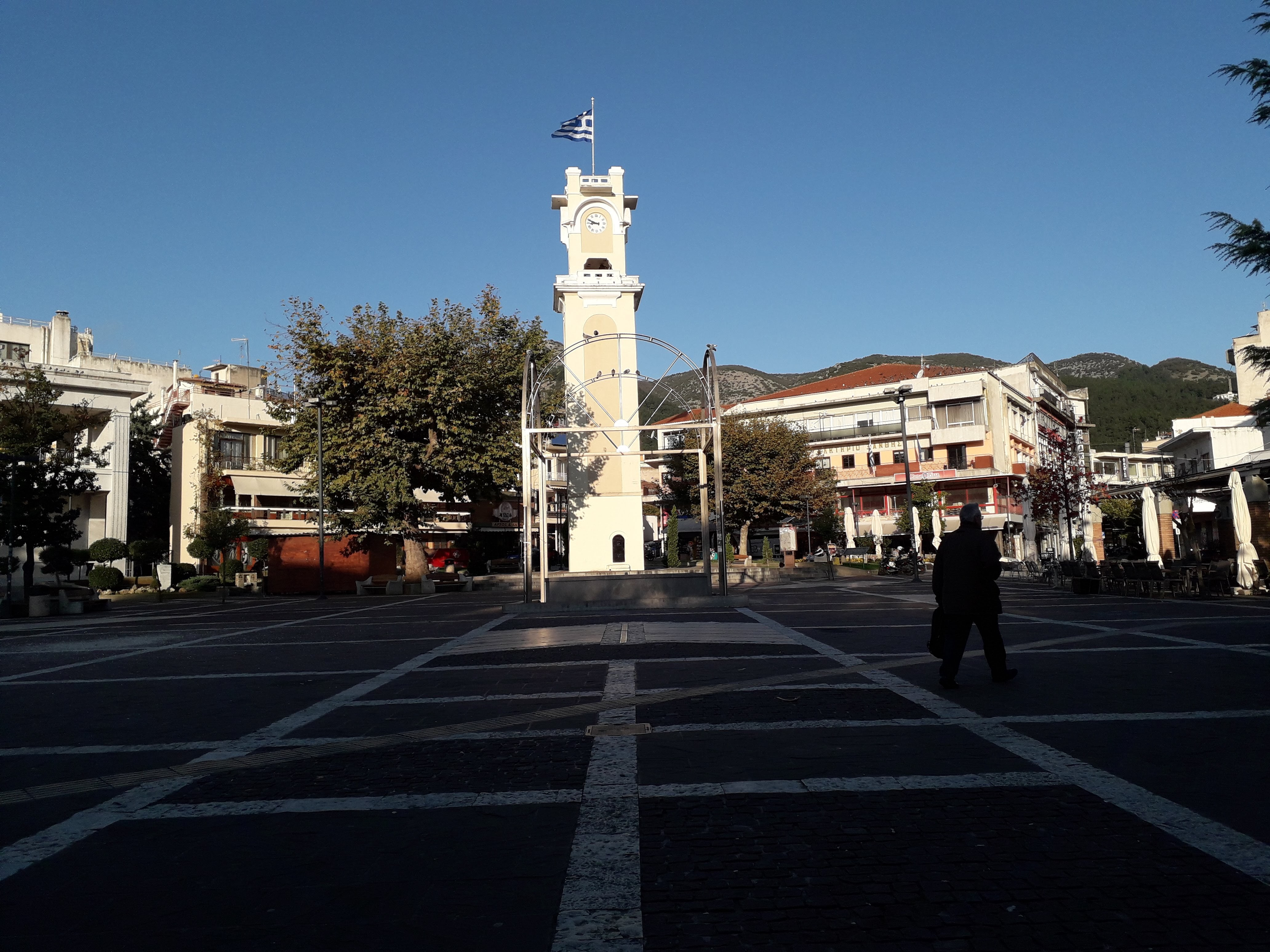 Γεωργιάδης: Με ποια σειρά θα ανοίξουν τα καταστήματα