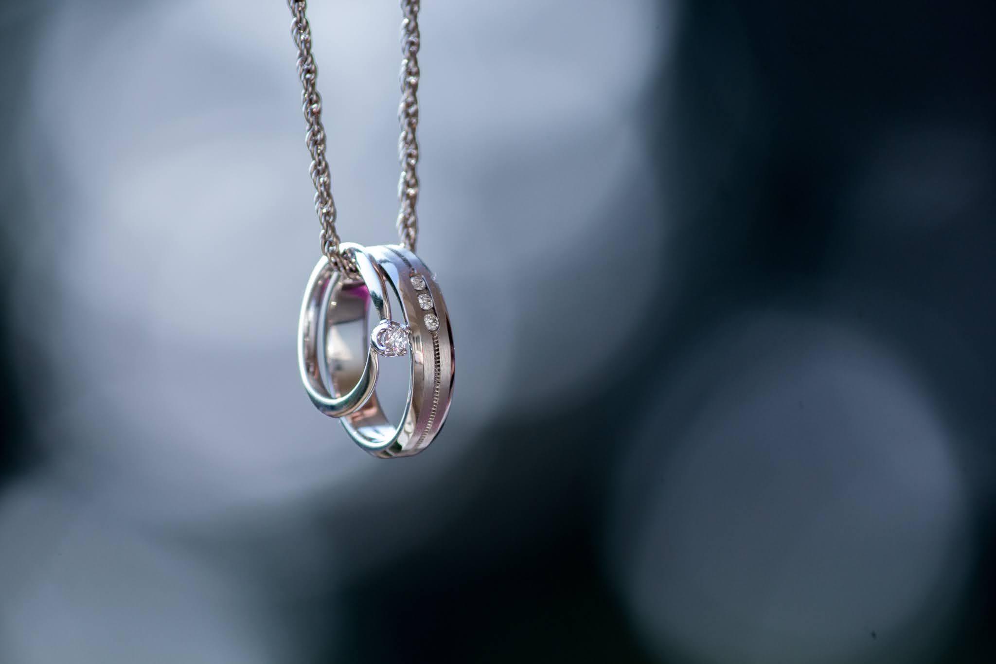 Wyjątkowa i niepowtarzalna biżuteria ze stali chirurgicznej i kamieni