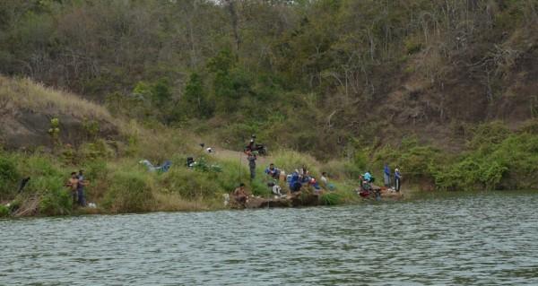 Waduk Bajulmati tempat wisata memancing.