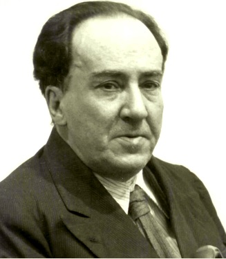 Foto de Antonio Machado con saco y corbata