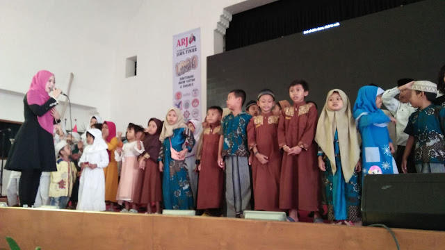 Aliansi Relawan Jokowi Jawa Timur Santuni 10.000 Anak Yatim Piatu