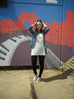 http://conndenoemi.blogspot.com.es/2015/04/on-friday-i-wear-grey.html