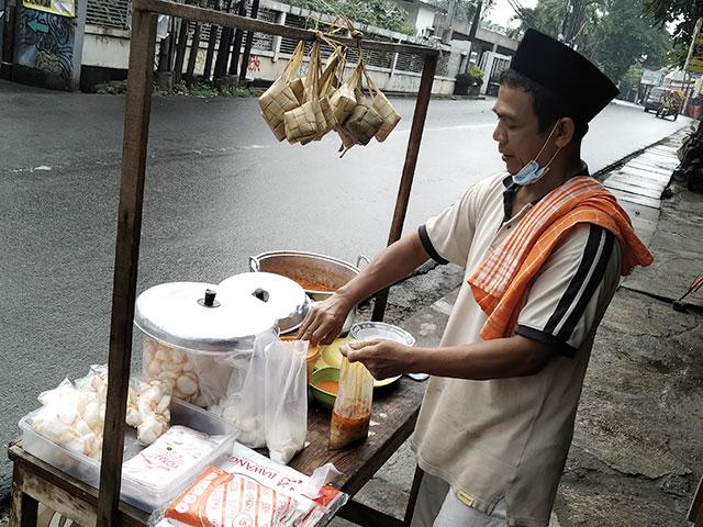 ketupat sayur bang uwo