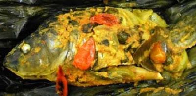 sajian pepes ikan emas yang terampil