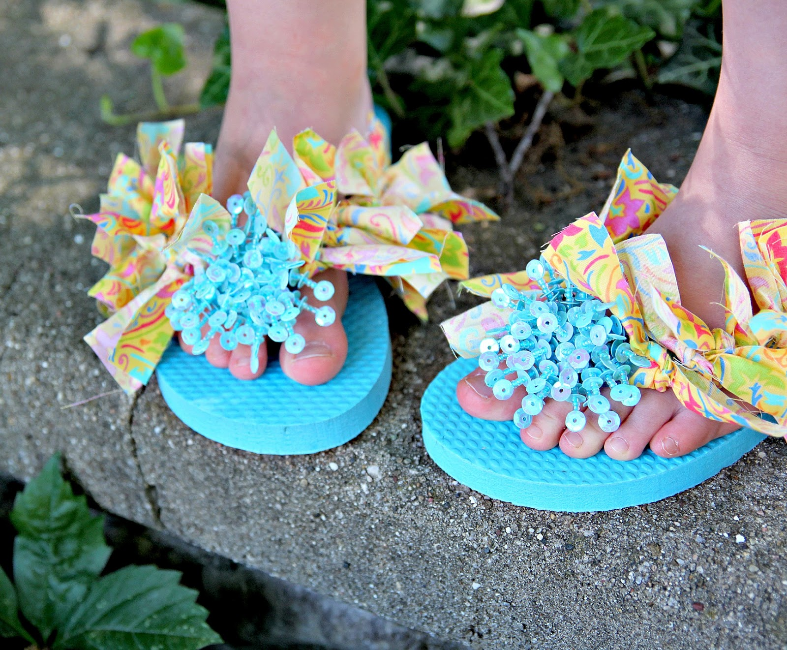 60d429f42 Then let your girly pick her favorite pair to wear this summer! We had a  great time making these flip flops ...