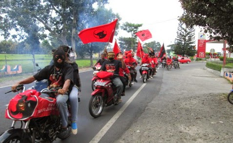 Bendera Partai Dibakar, PDIP DIY: Sejak Kemarin Kami Ngerem Massa