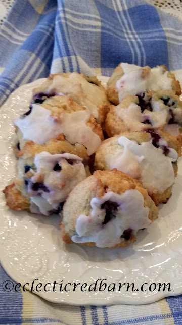 Eclectic Red Barn: Share NOW. Lemon Blueberry Cheese Cream Cookies. #dessert #cookies #blueberries #lemon