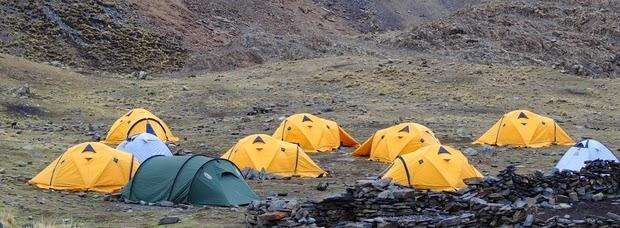 Campo tende nei pressi della Laguna
