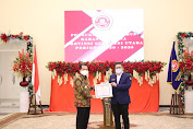 Pjs. Gubernur Agus Fatoni Terima Penghargaan Pembina Terbaik Karang Taruna 2020