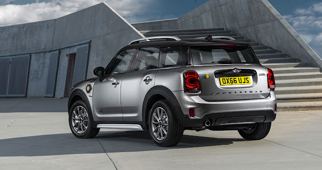 Mini Countryman Cooper S E rear view