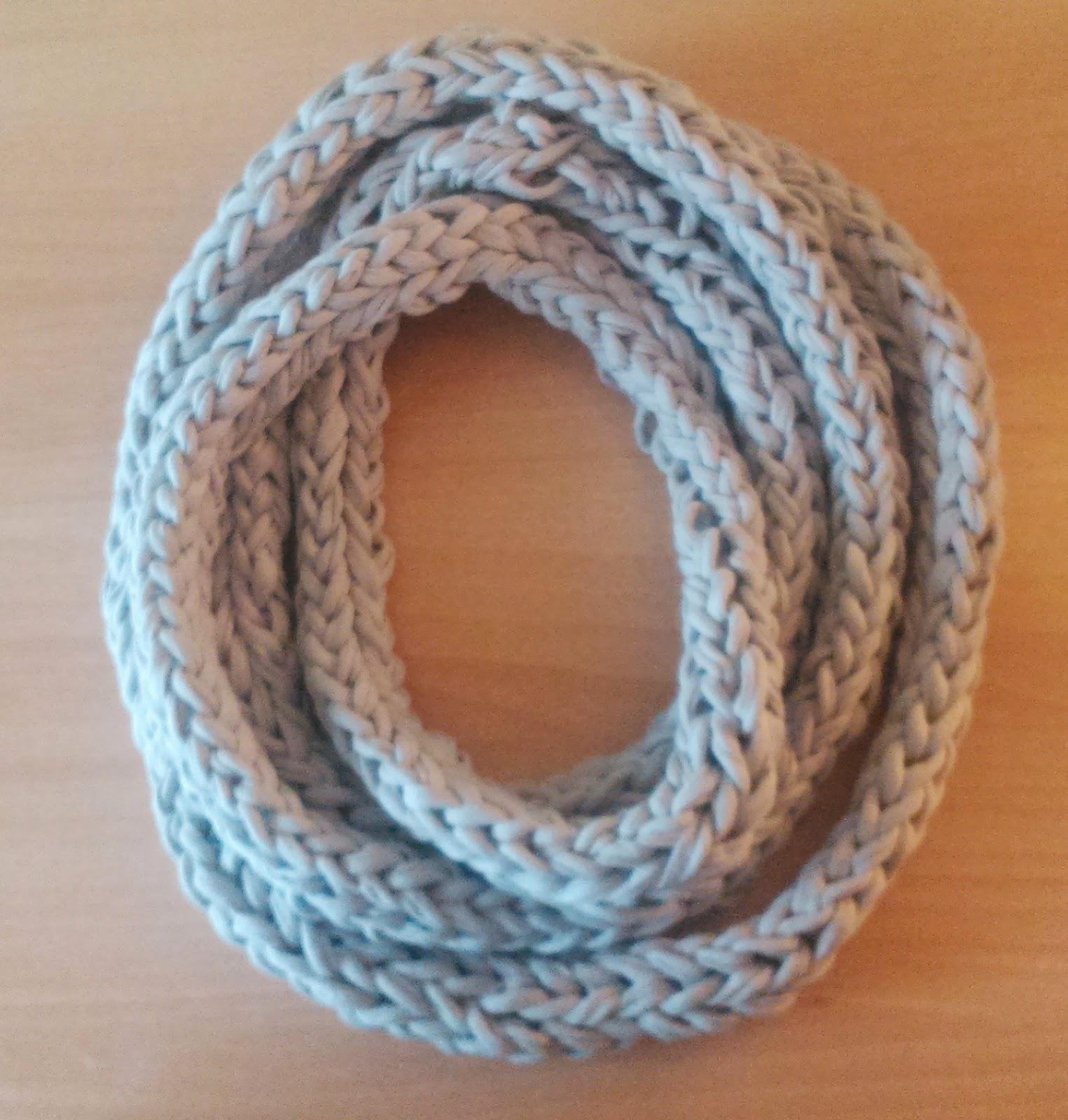C mo hacer una bufanda de trapillo con los dedos for Facilisimo com manualidades
