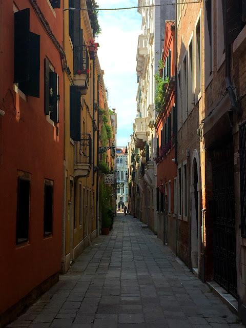 venedik, gezi, tur, tatil, yurt dışı, sokak, dar, mimari